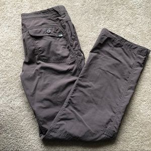 The North Face cargo pants. GREAT CONDITION!!